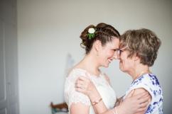 Mère fille complices mariage Beauvais
